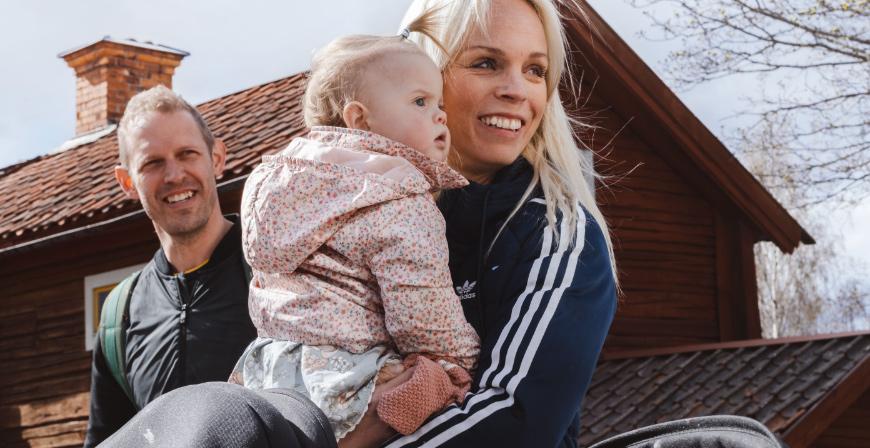 Linn Gråhns och Linus Eriksson i Hedemora är familjehemsföräldrar och har under många år haft barn familjehemsplacerade hos sig.